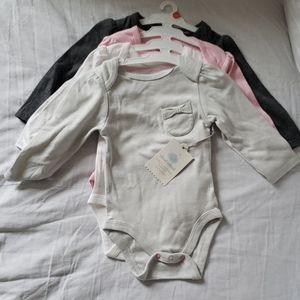 Babygirl 4set long sleeve onesie (6-9m)